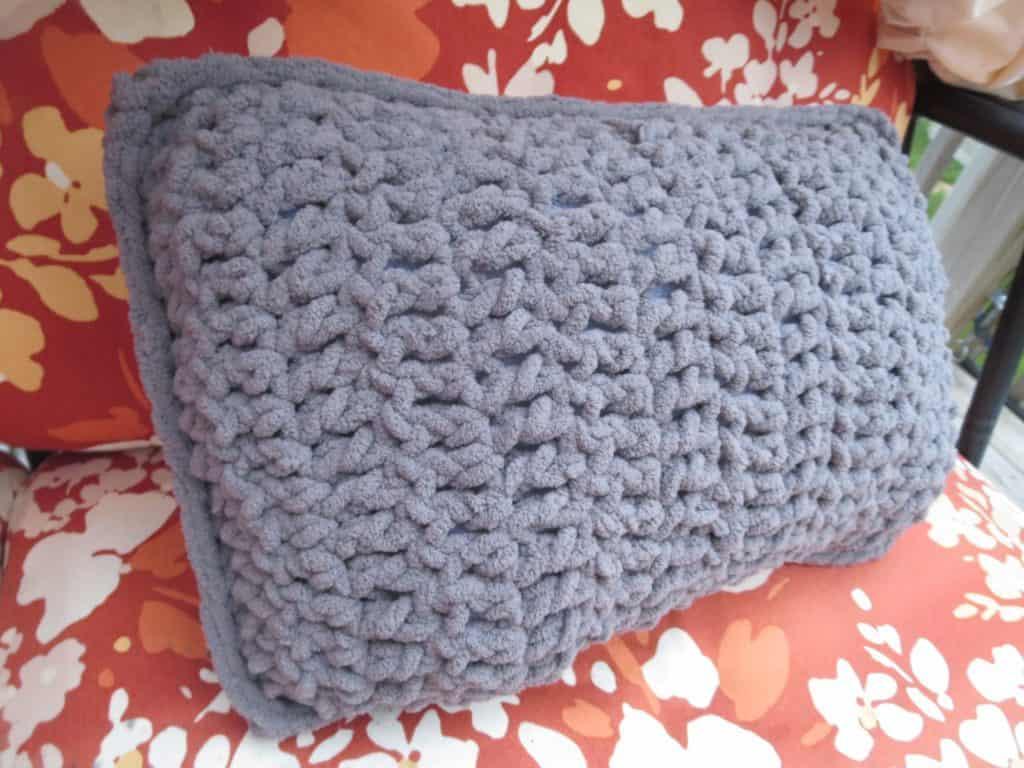 crochet travel pillow free pattern