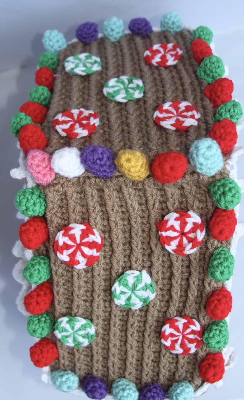 crochet gingerbread house