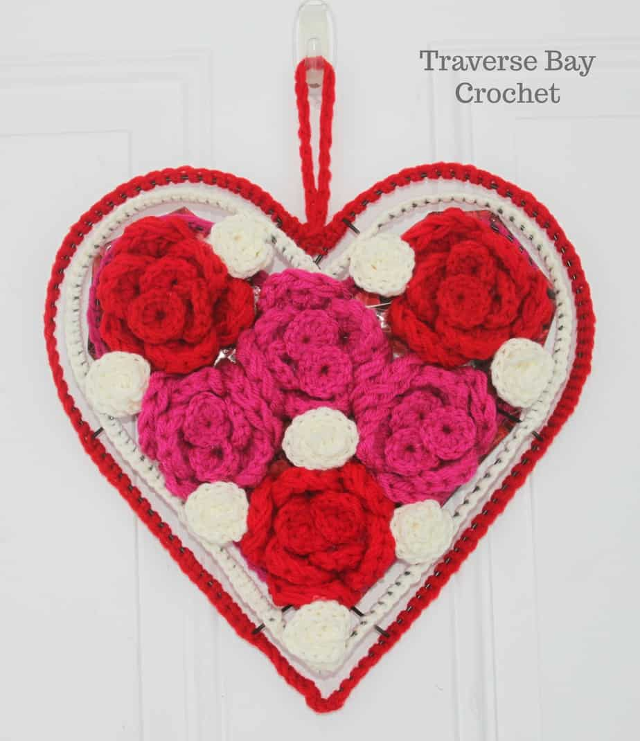 crochet heart wreath free pattern