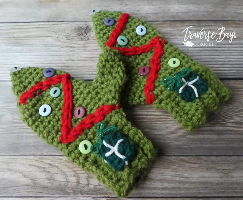 crochet Christmas mitten free pattern