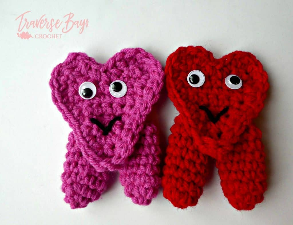 crochet heart finger puppet free pattern